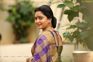 Lijo Mol Jose Beauty Face Women Beautiful Women Naturally Most Beautiful Indian Actress