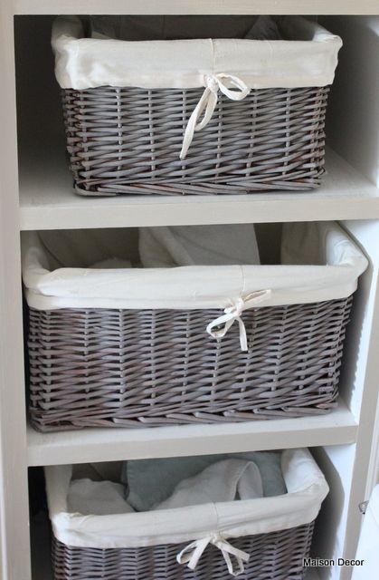 Brown baskets were dry brushed with   AS     French Linen Chalk Paint™ for that Belgian look