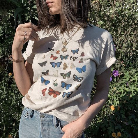 Butterfly Chart Shirt - Butterfly Chart Diagram, Vintage,Trendy Outfit - Femfetti Comfort Colors, Trendy Outfits, Cute Outfits, Fashion Outfits, Indie Outfits, Butterfly Shirts, Look Vintage, Color Shorts, Unisex