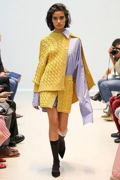 The complete Matthew Adams Dolan Spring 2018 Ready-to-Wear fashion show now on Vogue Runway.