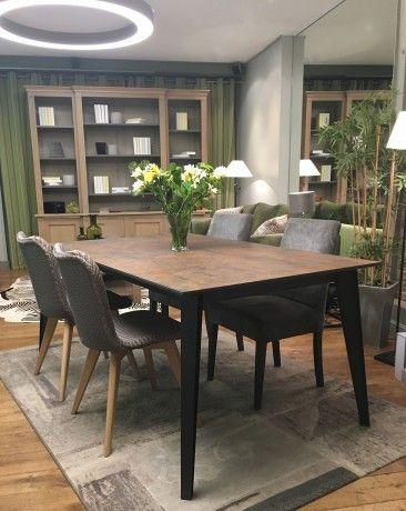 Une Table De Repas Extensible Avec Un Superbe Plateau En Ceramique Effet Rouillee La Table Ideale Pour Am Table Salle A Manger Table En Ceramique Table Repas