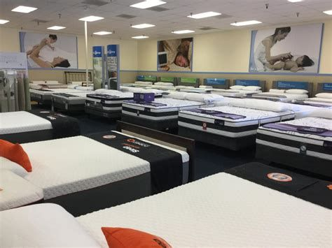 Why Are There So Many Mattress Stores Bedding Stores Mattress Store Mattress Warehouse