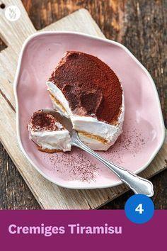 Creamy Tiramisu Recipe | WW Germany -  The Italian dessert with world fame: Creamy Tiramisu (4 SmartPoints). Our alternative recipe is mad - #creamy #germany #GreekFoodRecipes #ItalianChristmas #ItalianCookieRecipes #ItalianCookies #ItalianCooking #ItalianCuisine #ItalianDesserts #ItalianFoods #ItalianPastries #recipe #tiramisu