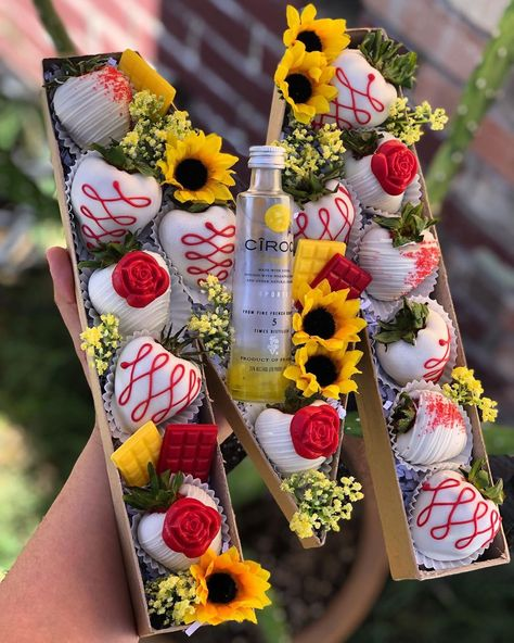Chocolate Covered Treats, Chocolate Dipped Strawberries, Strawberry Cake Pops, Chocolate Bouquet, Birthday Cake Decorating, Edible Arrangements, Diy Letter Boxes, Sunflowers, Roses