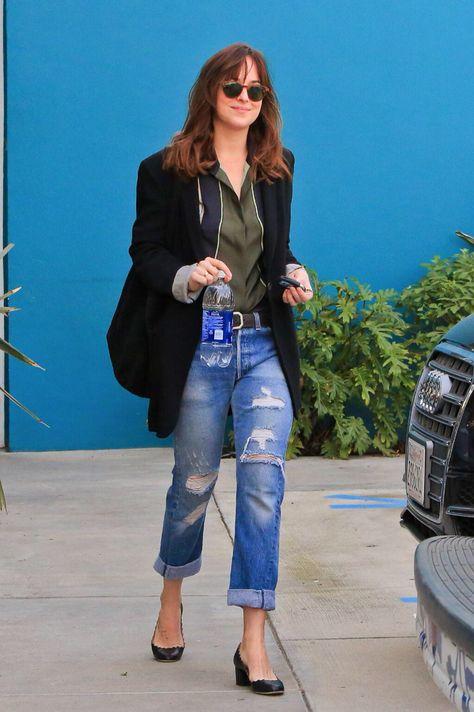 Dakota Johnson in RE/DUNs  #vintage #denim #style #fashion #ecofriendly #green #greenfashion #redun #myreduns #distresseddenim #bluejeans #boyfriendjeans