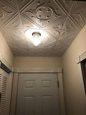 Diamond Wreath Glue Up Styrofoam Ceiling Tile 20 In X 20 In R02 Styrofoam Ceiling Tiles Ceiling Tile Ceiling