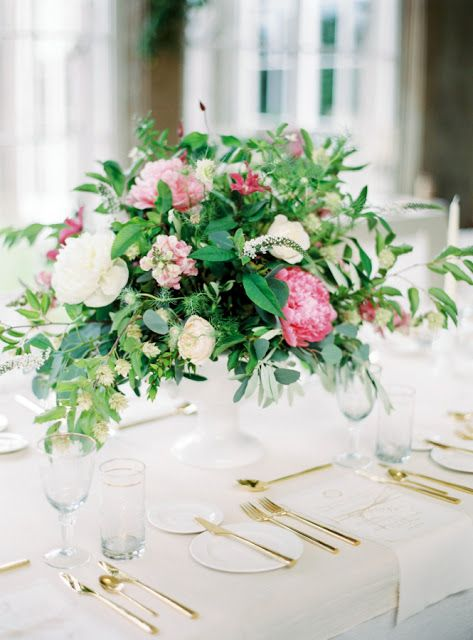 Dekoracje Stolow Weselnych Z Piwonii Dekoracje Slubne Z Piwonii Dekoracje Weselne Z Piwonii Dekoracje Z P Wedding Flower Centerpieces Flower Bouquet Wedding