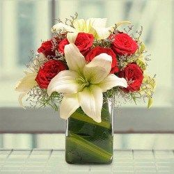 Pin By Prateek Gupta On Flowers Delivery In Gurgaon Flower Delivery Online Flower Delivery Flowers Delivered