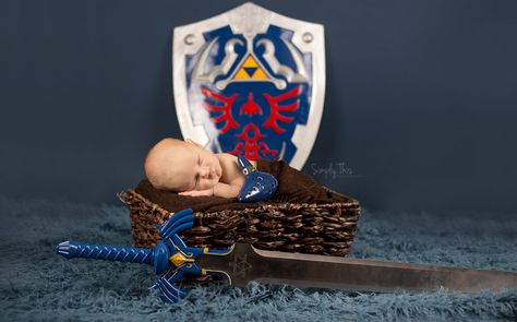 legend of zelda, zelda themed newborn session, newborn photographer, kansas, topeka newborn photographer