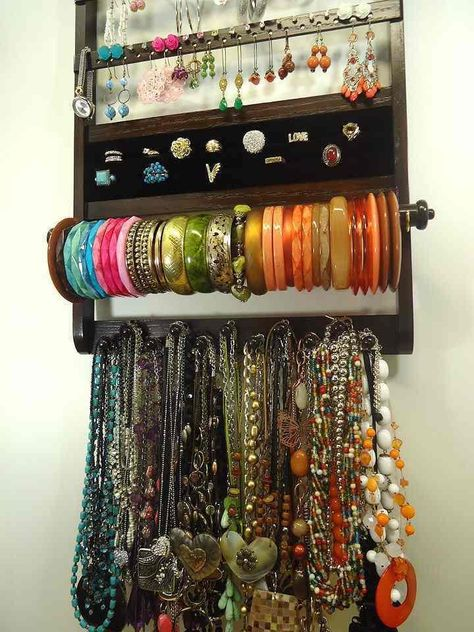 Job Lot Dress Rings And Bangle A Plastic Case Is Compartmentalized For Safe Storage Mixed Lots Costume Jewellery
