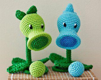 Creepy but cute crochet amigurumi dolls - mallooknits.com | 270x340