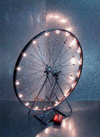 Bicycle Wheel Light Want This In My Bedroom Diy Lamp Diy Home