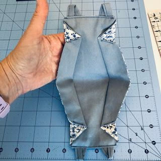 Origami 3d, Fabric Origami, Easy Face Masks, Diy Face Mask, Techniques Couture, Sewing Techniques, T Shirt Yarn, T Shirt Diy, Sewing Hacks