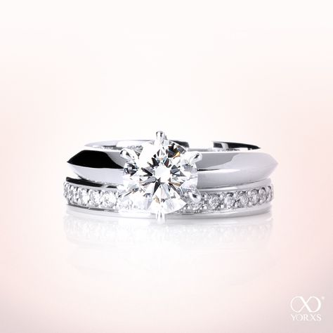 How do you like this combination: solitaire ring and wedding ring? #yorxs #diamantringe #vorsteckring #hochzeit