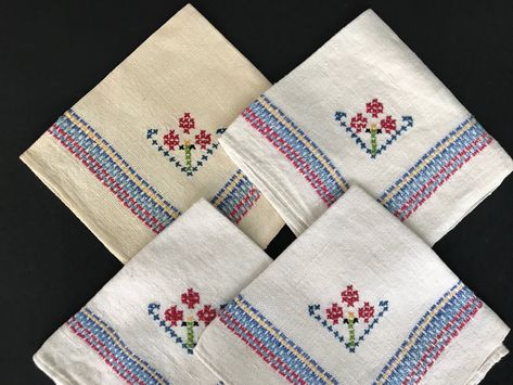 Lot of 4 Spring Time Linens Cloth Napkins Linen Doilies Hand Crocheted Lace Border Floral Design Housewarming Gift Hand Embroidered Napkins