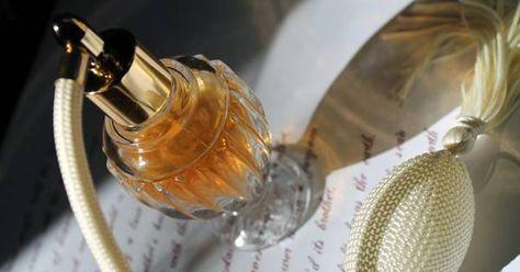 Düfte für den besonderen Anlass! Nätürliche Pafums kannst du auch selber machen. Wir zeigen dir ein paar einfache Rezepte, mit denen du beginnen kannst!