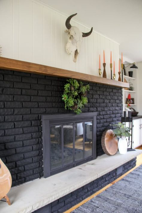 Black Brick Fireplace, Painted Brick Fireplaces, Paint Fireplace, Brick Fireplace Makeover, Home Fireplace, Fireplace Surrounds, Fireplace Design, Black Fireplace Surround, Brick Fireplace Remodel