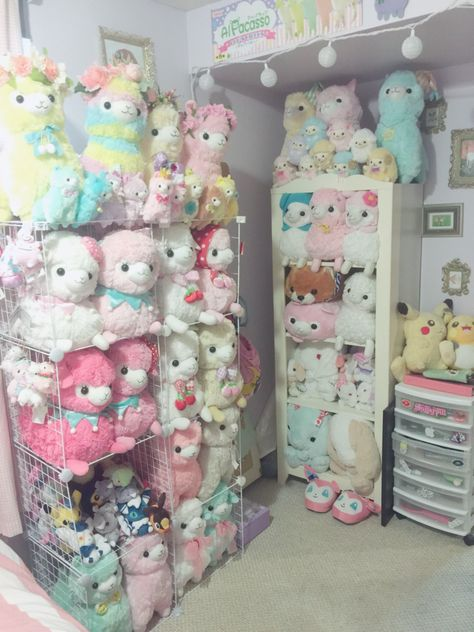 I was tagged by to show my alpacasso display. I really need the purple lovely baby in my life! I also tag to show her alpacasso display!