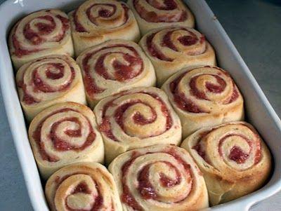 Rhubarb sweet rolls