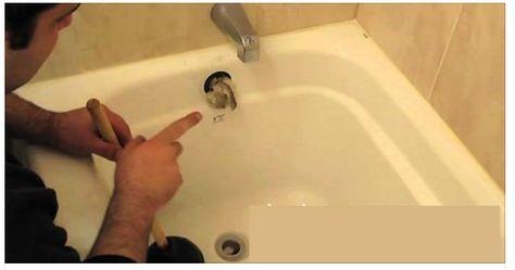 Comment déboucher votre baignoire facilement en 10 secondes