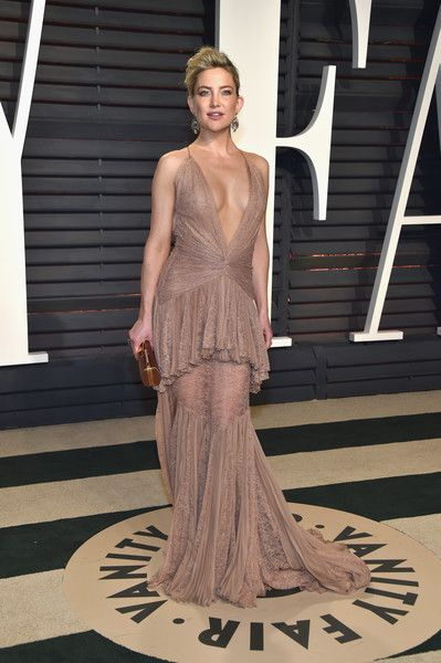 Kate In Roberto Cavalli At The Vanity Fair Oscar Party, 2017 - Kate Hudson's Most Daring Red Carpet Dresses - Photos
