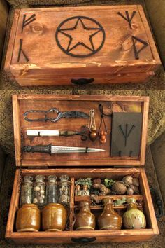 A beautiful portable or travel altar. Witches Altar: How To Do A Basic Altar Set Up. Magick, Witchcraft, Witch Aesthetic, Witches Brew, Real Witches, Kitchen Witch, Deviantart, Coven, Book Of Shadows