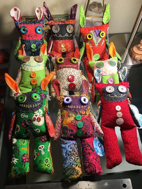 Fabric Toys, Fabric Scraps, Scrap Fabric Projects, Sewing Projects, Diy Rag Dolls, Diy Doll, Ugly Dolls, Creepy Dolls, Doll Patterns