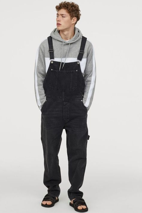 Bib overalls in soft washed denim with adjustable suspenders. Bib pocket side and back pockets and dropped gusset. Cotton content is partly recycled. Black Overalls, Overalls Outfit, Bib Overalls, Dungarees, Denim Outfit, Streetwear Men, Streetwear Fashion, Mens Grunge Fashion, Men Fashion