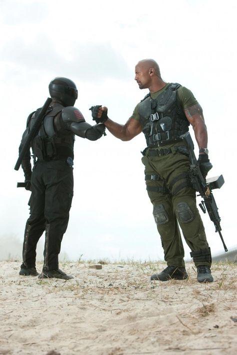 Nueva foto de G.I. Joe Retaliation. Snake Eyes (Ray Park) and Roadblock (Dwayne Johnson)