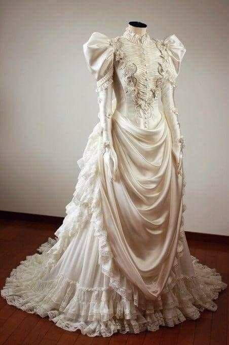 Pin By Linda Christiano On Alternative Wedding Gown Ideas Mostly Victorian Historical Dresses Edwardian Fashion Vintage Dresses