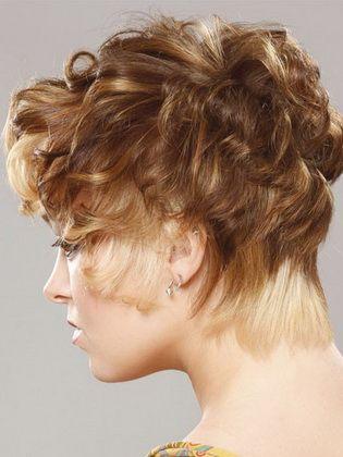 Frisuren Fur Lockenwickler Fur Kurzes Mittleres Und Langes Haar Kurz Haar Frisuren Locken Fur Lange Haare Lange Haare Hellblonde Highlights