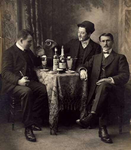Friends Sharing Absinthe Absinthe Absinthe Drinker Absinthe Art
