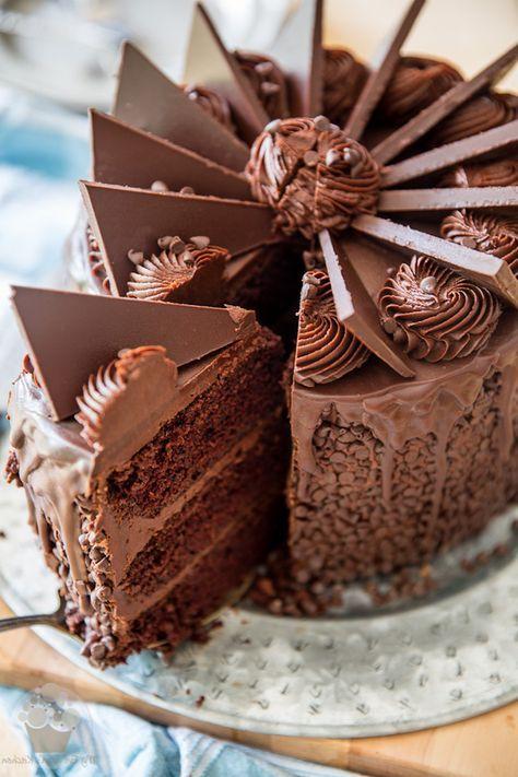 1001 Idees Pour Le Gateau D Anniversaire Au Chocolat Parfait Gateau Au Chocolat Moelleux Recette Gateau Chocolat Gateau Anniversaire Chocolat