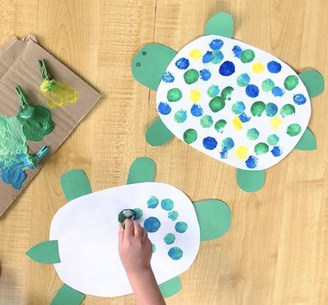 Pom Pom Crafts & Activities - HAPPY TODDLER PLAYTIME - - Here is a list of creative and easy pom pom activities and crafts for toddlers and preschoolers. From sensory and learning activities to arts and crafts! Toddler Arts And Crafts, Summer Crafts For Kids, Baby Crafts, Spring Crafts, Toddler Activities, Art For Kids, Summer Diy, Learning Activities, Summer Activities
