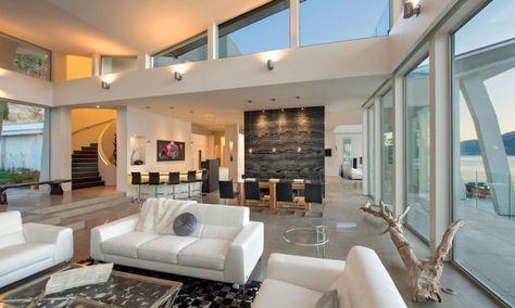 Maison contemporaine de luxe qui change de couleur