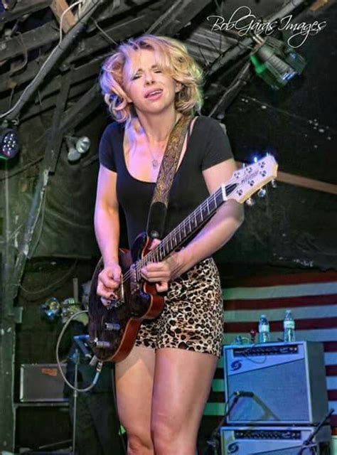 Who S Been Talking Samantha Samantha Guitar Girl Women Of Rock