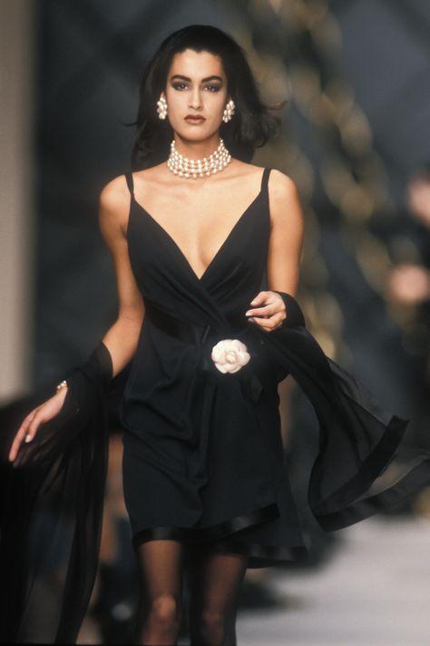 Yasmeen ghauri/ chanel couture runway show 1990 fashion, vintage fashion, fashion outfits