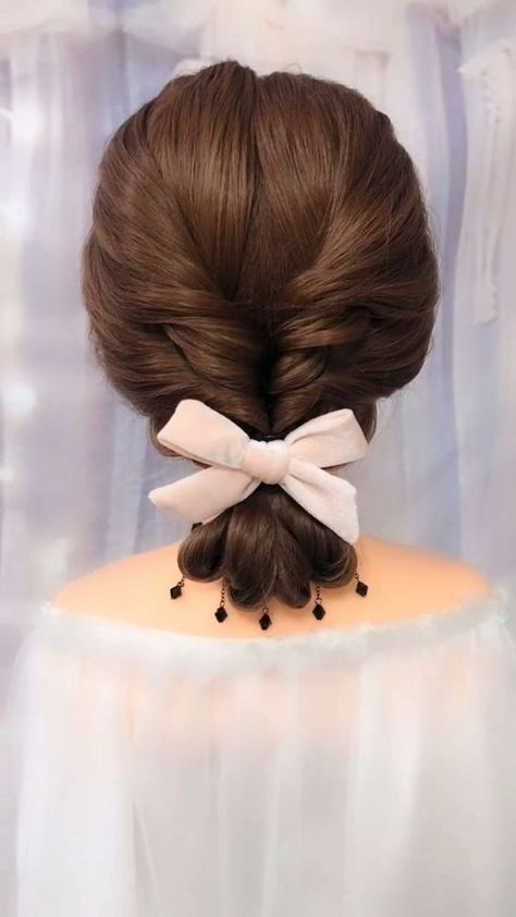 lovely hairstyle in summer