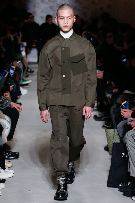 The complete OAMC Fall 2018 Menswear fashion show now on Vogue Runway. #FashionTrendsNow