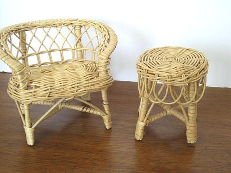 Admirable Vintage Doll Patio Set Rattan Chairs And Matching Table Uwap Interior Chair Design Uwaporg