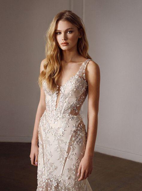 Giambattista Valli   Wedding dress couture, Different