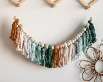 Check out our wood rainbow yarn selection for the very best in unique or custom, handmade pieces from our shops. Diy Girlande, Garland Nursery, Ombre Yarn, Diy Décoration, Boho Diy, Bohemian Crafts, Macrame Patterns, Room Wall Decor, Bedroom Decor