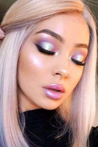 30 Coachella Makeup Inspired Looks To Be The Real Hit #coachella #crazyforus #makeup #coachella2019 #realhit #coachellamakeup #funmakeup #inspiredmakeup