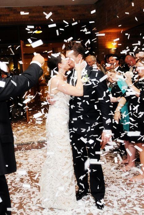 Jane + Trey spring wedding on @dweddings | @andreapolito