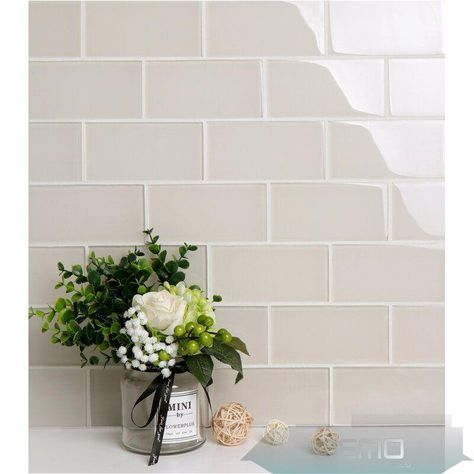 Jun 7 2020 This Pin Was Discovered By Sheryl Del Corral Discover And Save Yo In 2020 Glass Tile Backsplash Kitchen Kitchen Backsplash Designs Backsplash Designs