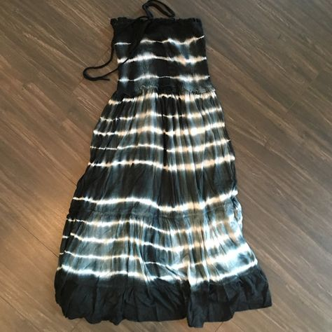 Tie dye strapless dress  Tie dye strapless dress- elastic top and ruffled bottom - size medium but super stretchy could fit any size - never worn ! Club collection  Dresses Strapless