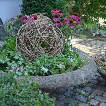 Dekokugeln Aus Clematisranken Flechten So Geht S Selber Machen Garten Pflanzen Dekokugeln