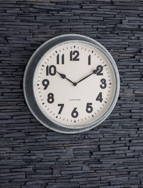 POLAROID WEATHER STATION QUARTZ WALL CLOCK THERMOMETER HYGROMETER SILVER