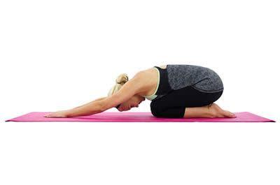 7 Posturas De Yoga Sencillas Para Principiantes Posturas De Yoga Posturas De Yoga Para Principiantes Movimientos De Yoga