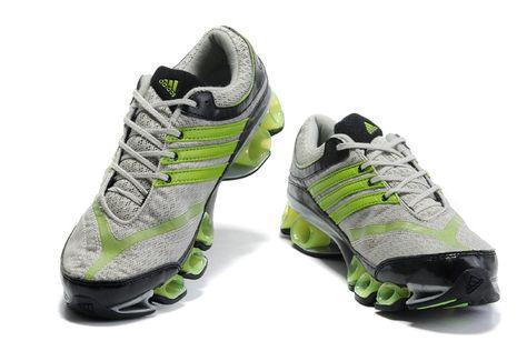 Verde neon adidas nuove scarpe sono springblade per spingere i corridori